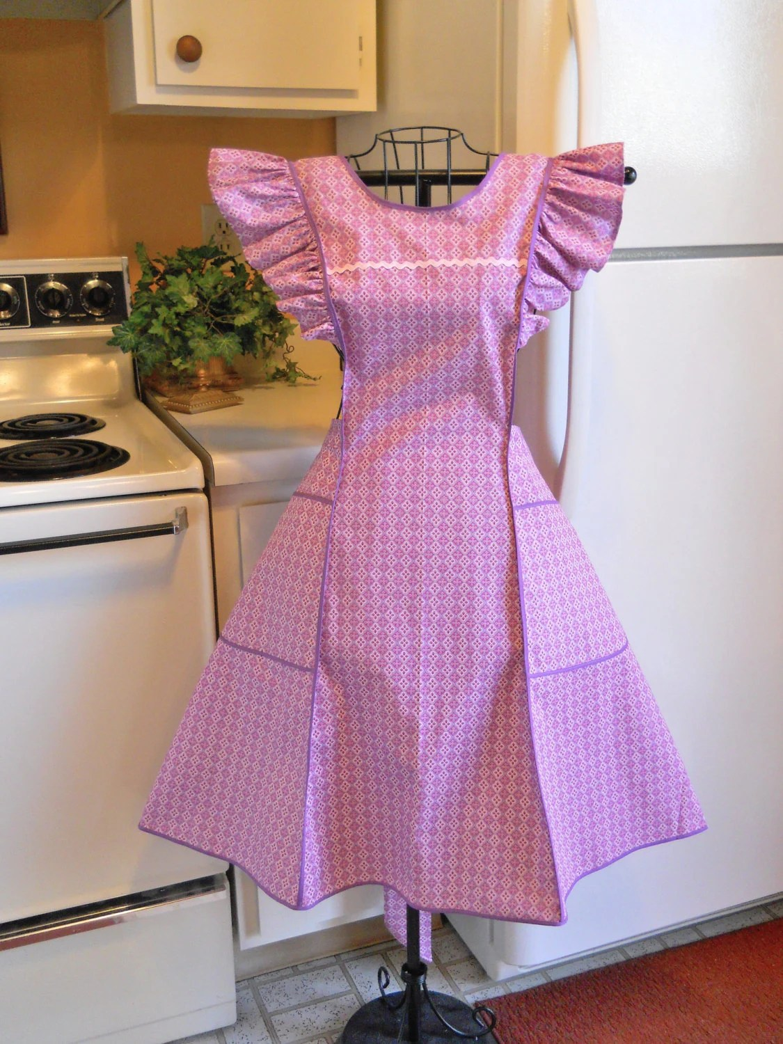 Old Fashioned Pinafore Full Apron In Pink And Lavender