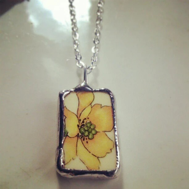 Vintage Yellow & Green Flower Ceramic Necklace - asthecrowfliesandco