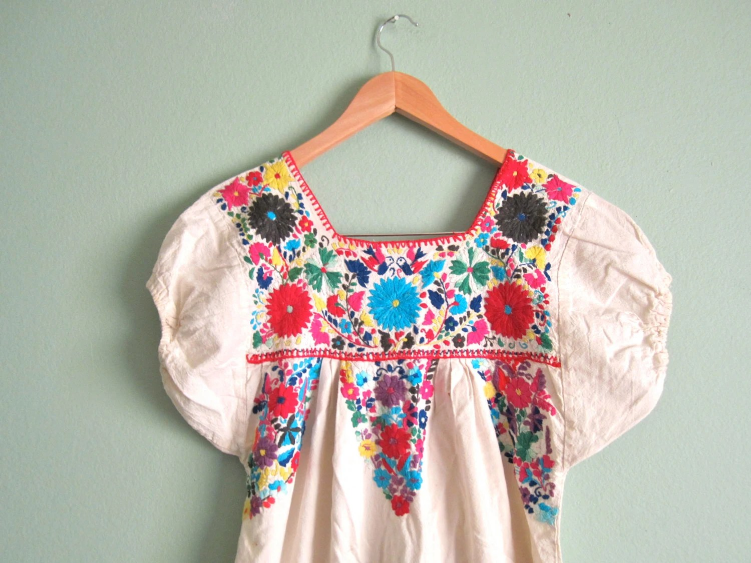 Vintage Hand Embroidered Mexican Sundress/ White Boho Hippie