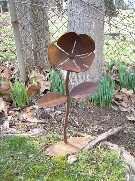 rusty metal flowers garden art Rustic Metal Yard Flower Lawn Art Sculpture WV Crafted