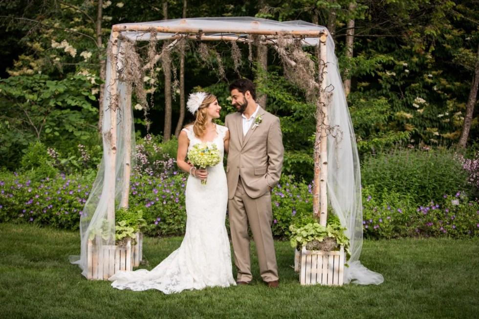 Wedding Feather Hair Clip, Wedding Hair Accessories, Feather Fascinator, Bridal Fascinator, Wedding Veil,  Ivory Fascinator