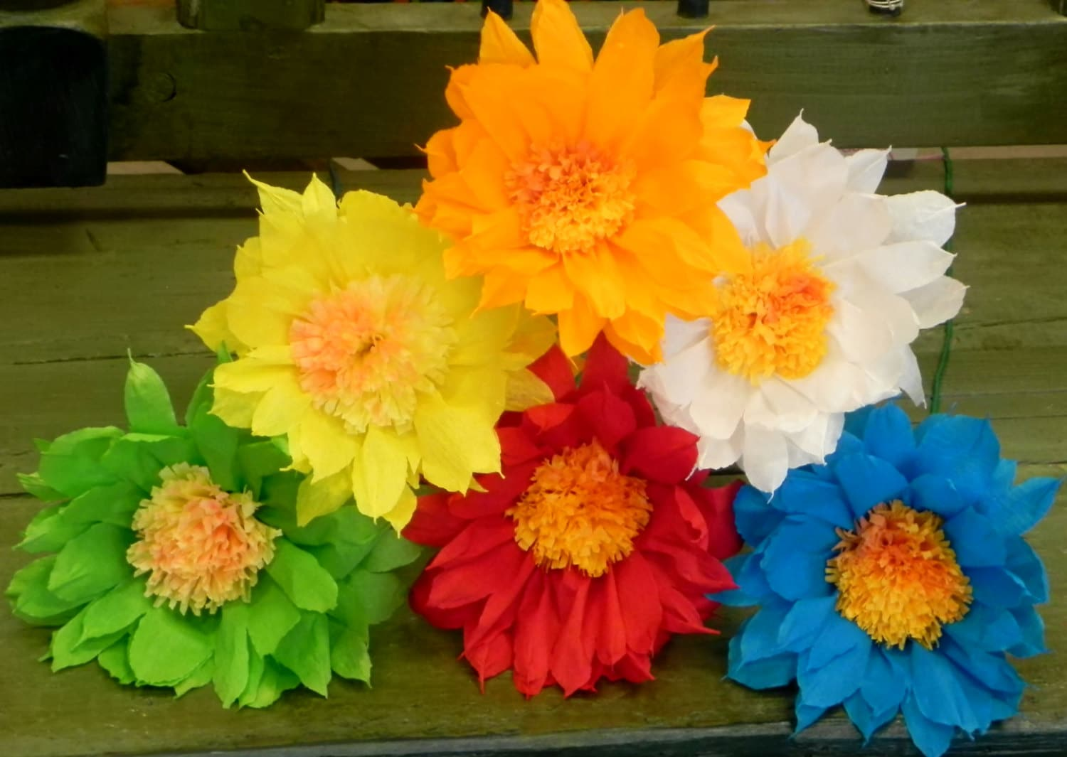 Mexican Tissue Paper Flower Steps