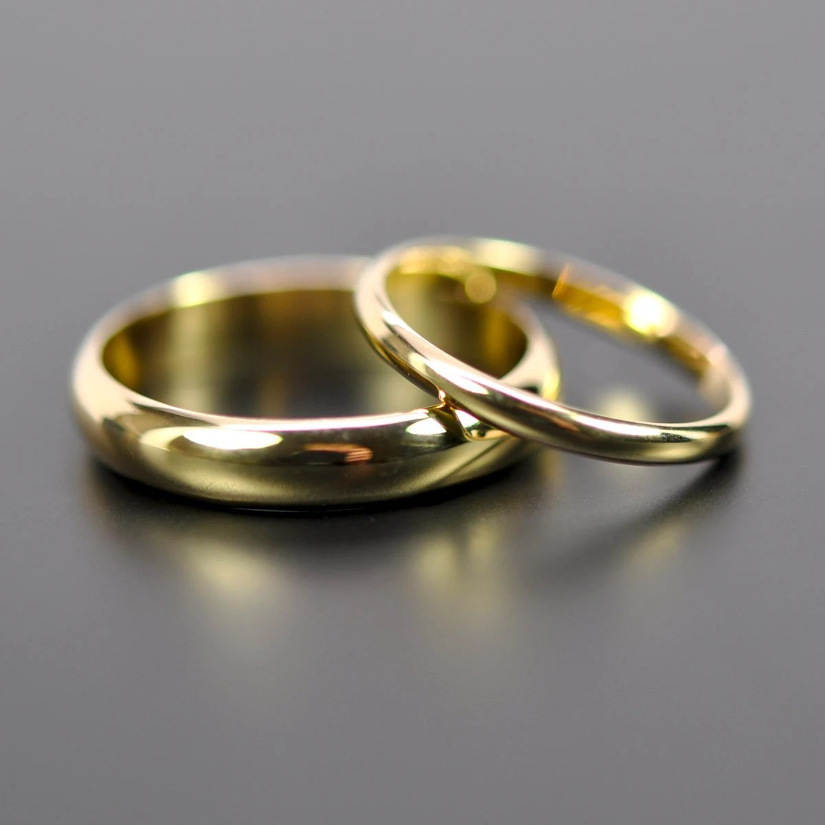 18K Yellow Gold Classic Wedding Band Set His And Hers Rings