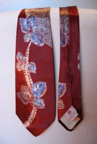 Vintage 1940s Necktie - Satin Rayon Leaves in Moroon and Grey