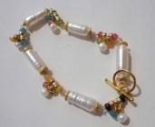 beaded charm bracelet.24k gold vermeil and AAA freshwater pearls gemstone beaded bracelet.gold jewelry. pearl bracelet. beadwork jewelry