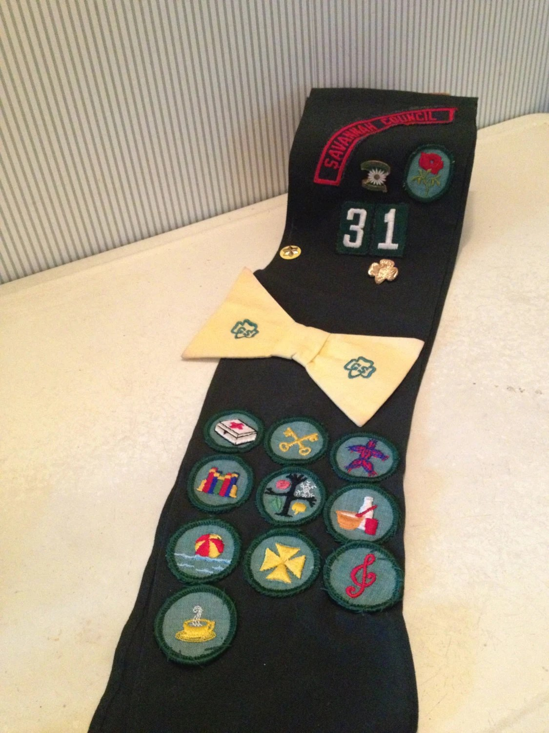 Vintage Us Girl Scout Badge Sash Pin And Bowtie By