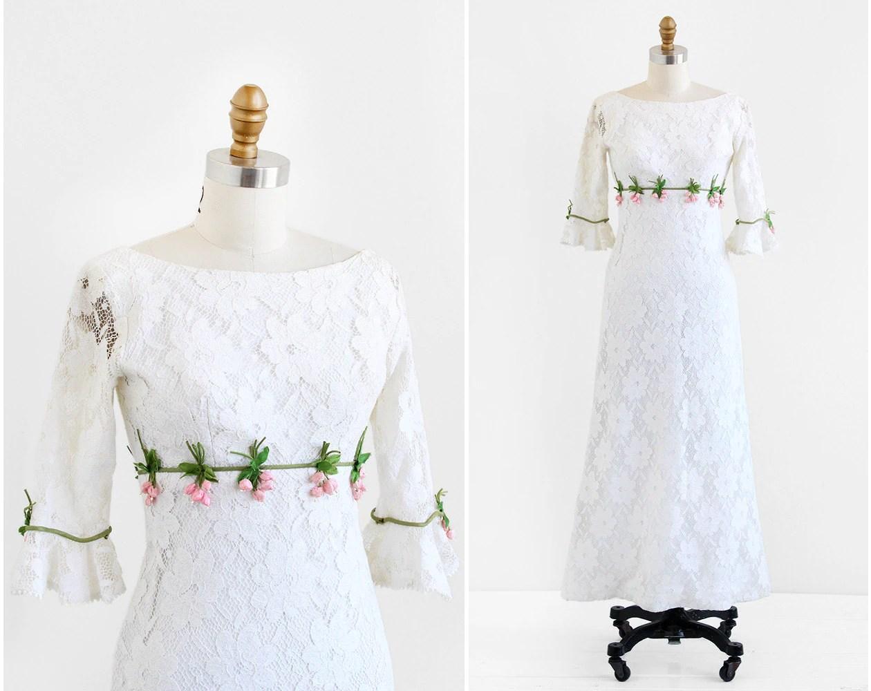 Vintage 1960s Wedding Dress / 60s Wedding Dress / White Lace