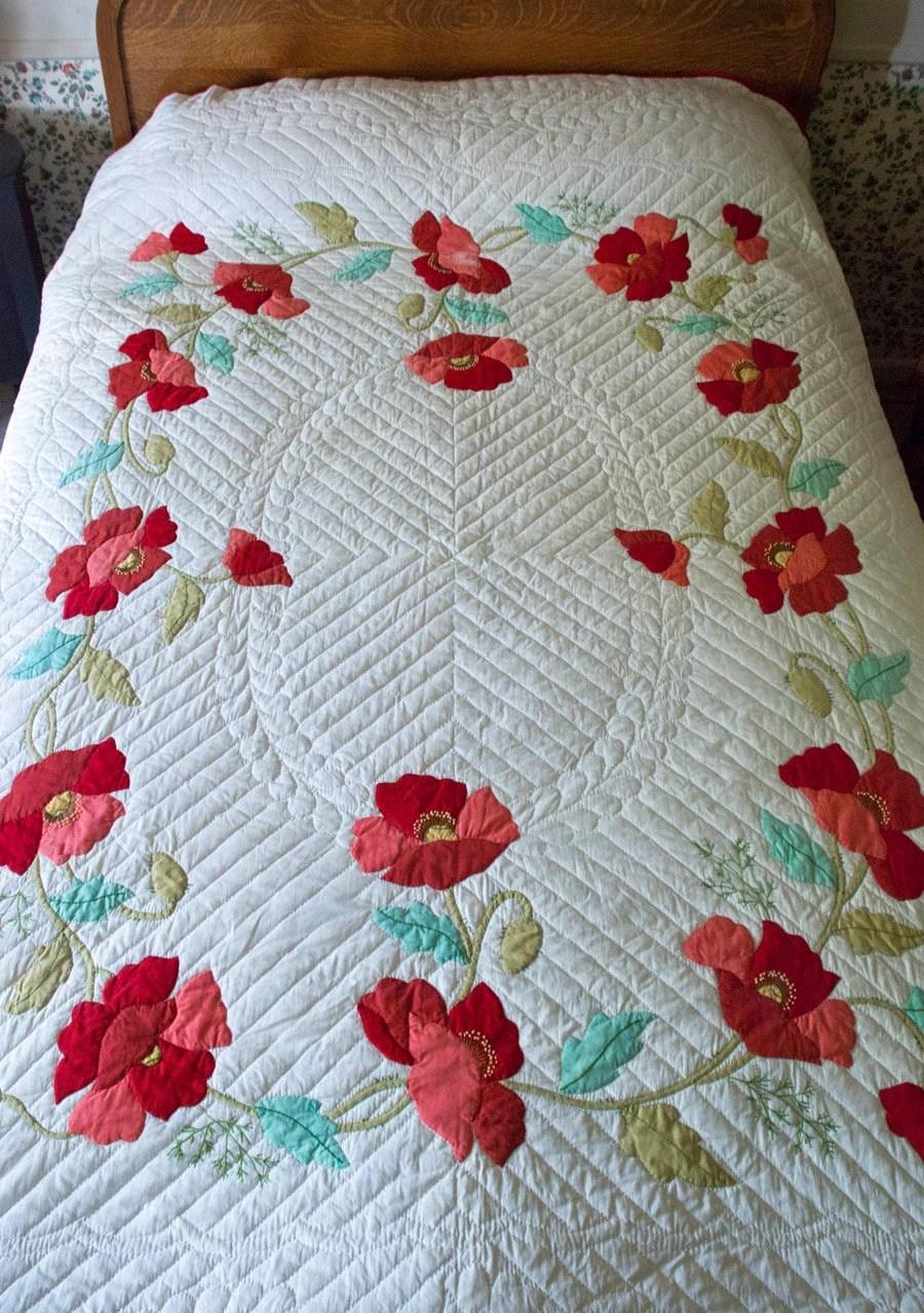 Vintage Applique Quilt Poppy Hand Appliqued Quilt Bucilla