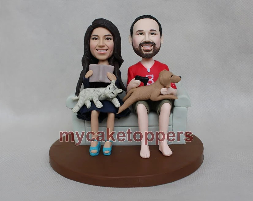Sweet Wedding Cake Toppers With Cat And Dogs Sofa Couch