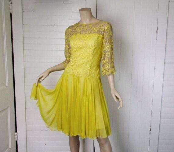 Yellow Dress Illusion