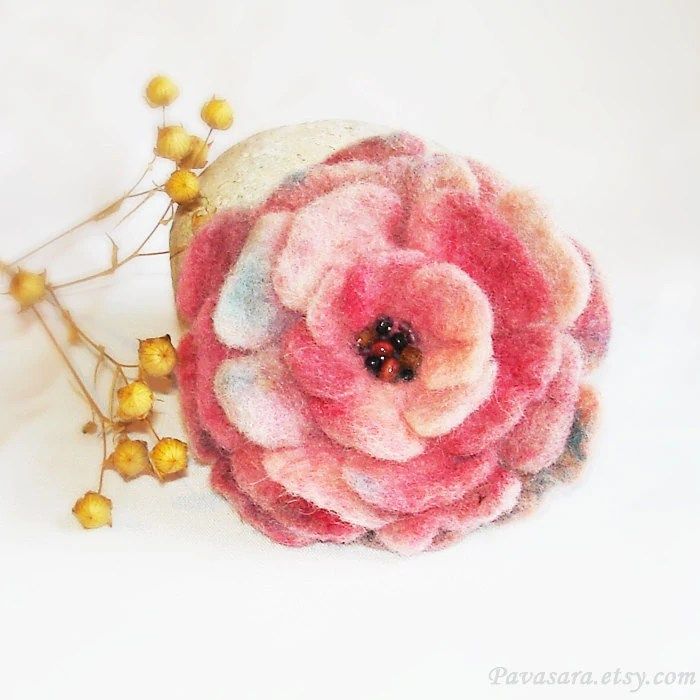 Sweet candy red beige and blue felted brooch - flower floral rose pin - hand felted and dyed - Pavasara