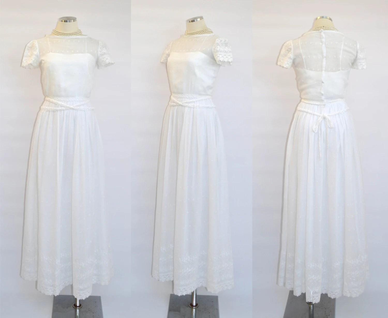 60s / 70s Saks Fifth Avenue Wedding Dress / White Eyelet