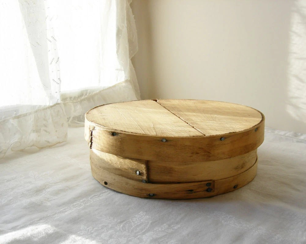 WOODEN CHEESE BOX Rustic Shaker Box Vintage Round Box Farmhouse Cottage Decor - SweetDaphneVintage