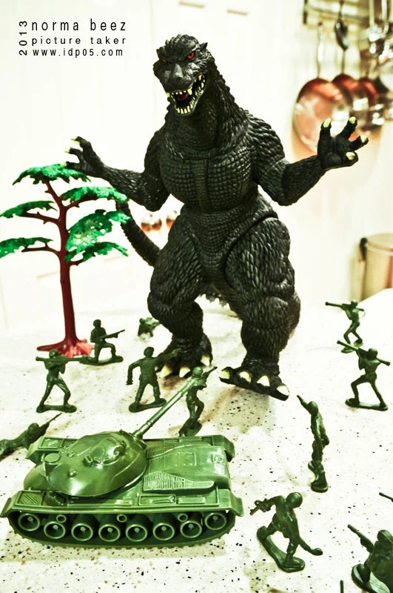 Godzilla Attacks 6 - Army Men Series