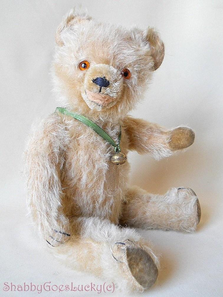 Antique Teddy Bear Velvet Paws