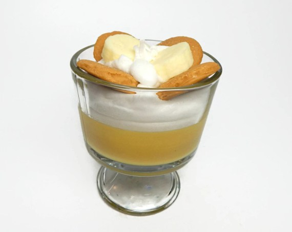 Cool banana pudding scented food themed candle