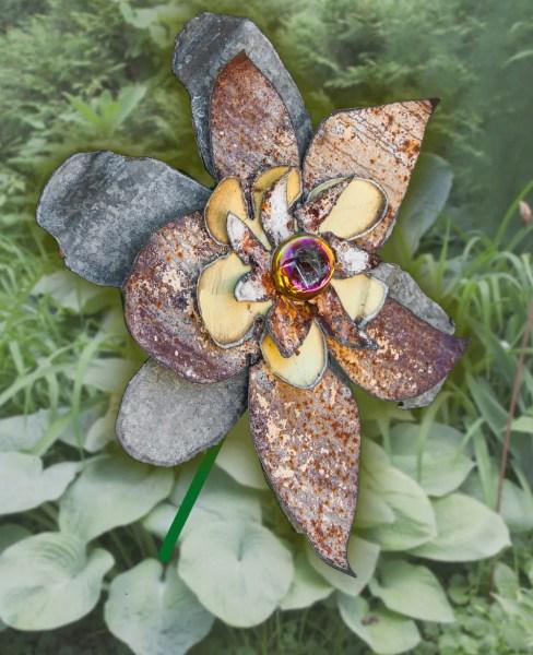rusty metal flowers garden art Rusty Metal Yard Art Flower Indoor Outdoor Wall Art Garden