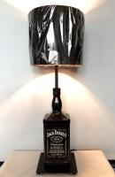Jack Daniels bouteille noire grande lampe. Whiskey Table
