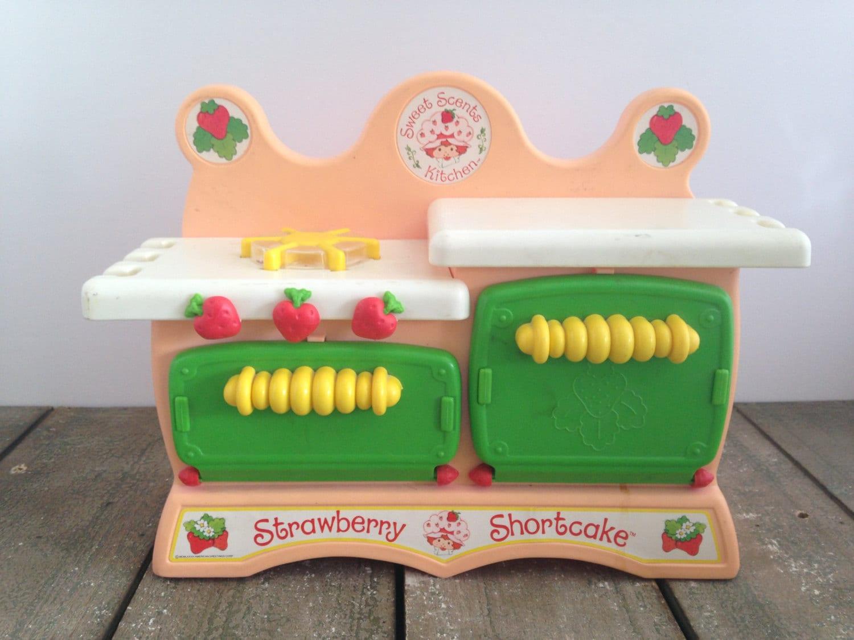 Shortcake Strawberry Kitchen Vintage