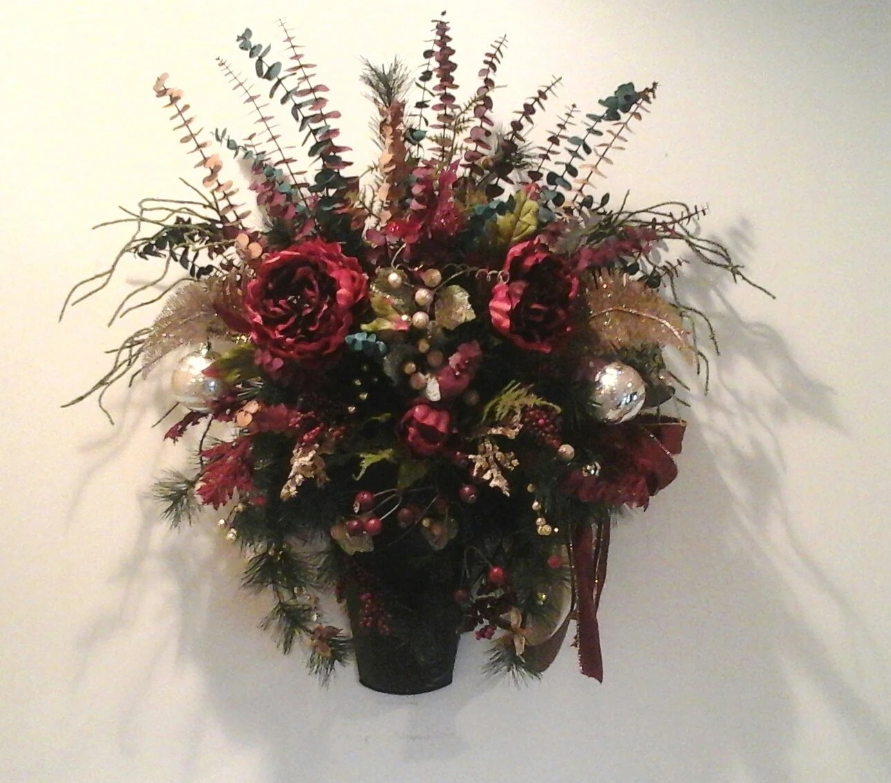 Christmas Floral Arrangement Wall Sconce Planter Wall on Wall Sconce Floral Arrangements Arrangement id=85217