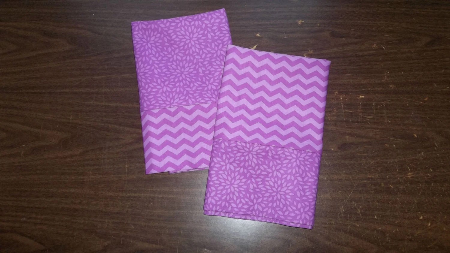 Set Of 2 Pillow Cases In Coordinating Lavender/Purple Colors