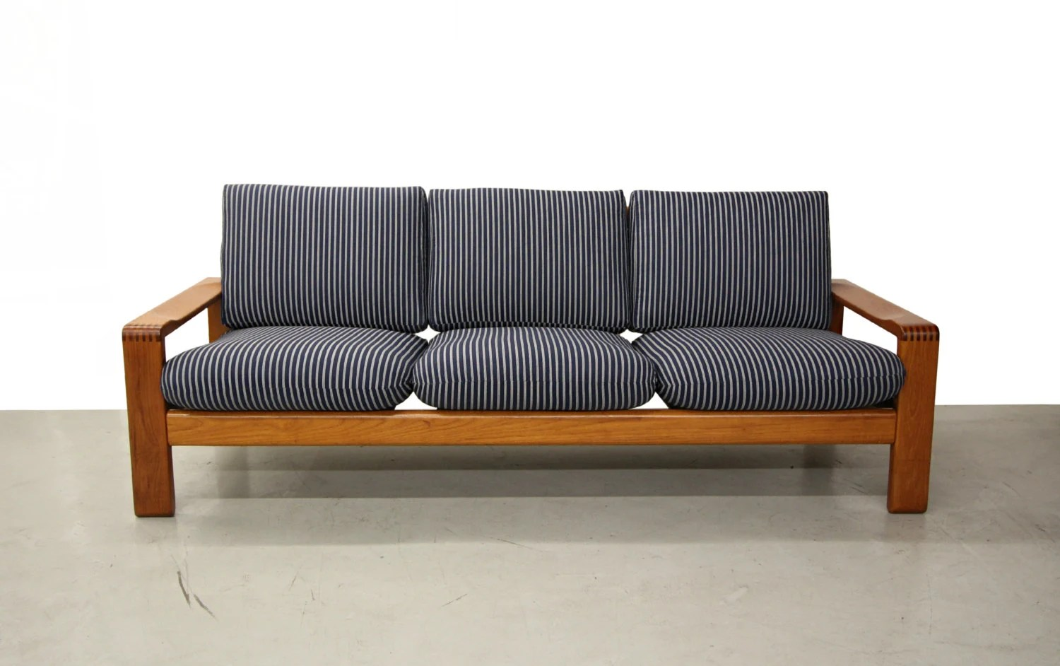 mid century solid teak danish slat back sofa designed by hw klein for bramin mobler haute juice. Black Bedroom Furniture Sets. Home Design Ideas