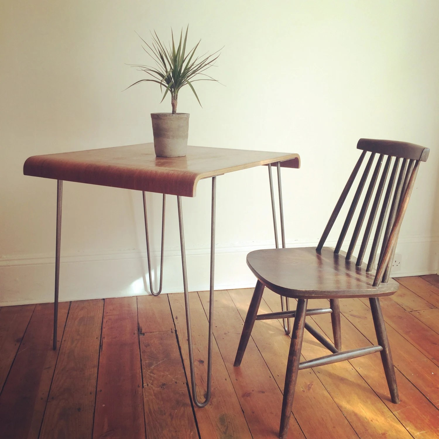 Vintage bentply table or desk w metal hairpin legs mid for Vintage hairpin table legs