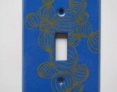 Enamel switch plate in bl...