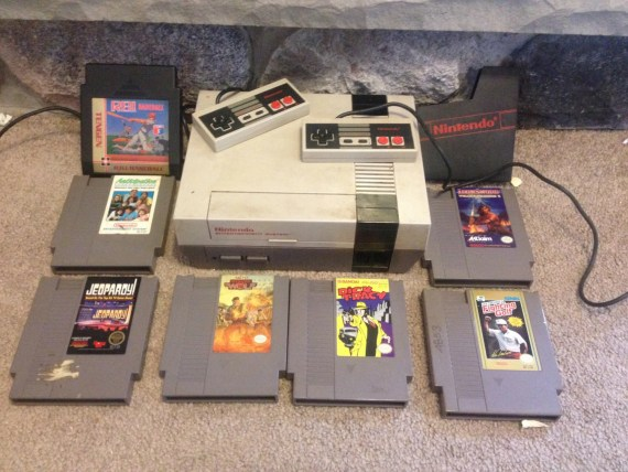 Huge Nintendo NES Lot with 7 Games 2 controllers Dick Tracy Ironsword Jeopardy Operation Wolf +++