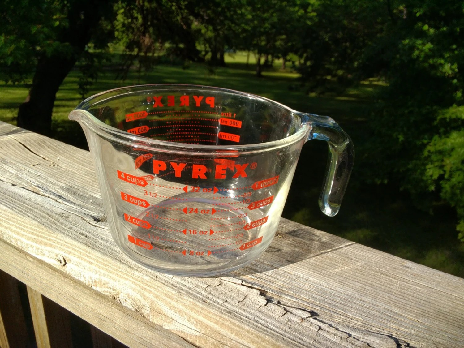 Vintage Pyrex 2 Quart 8 Cup 2 Liter Glass Measuring Cup Red