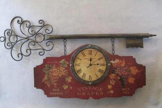 Wall Clock Vintage Decorative Key Design Vintage Grapes