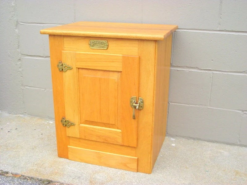 White Clad OAK Icebox Cabinet End Table Nightstand Storage
