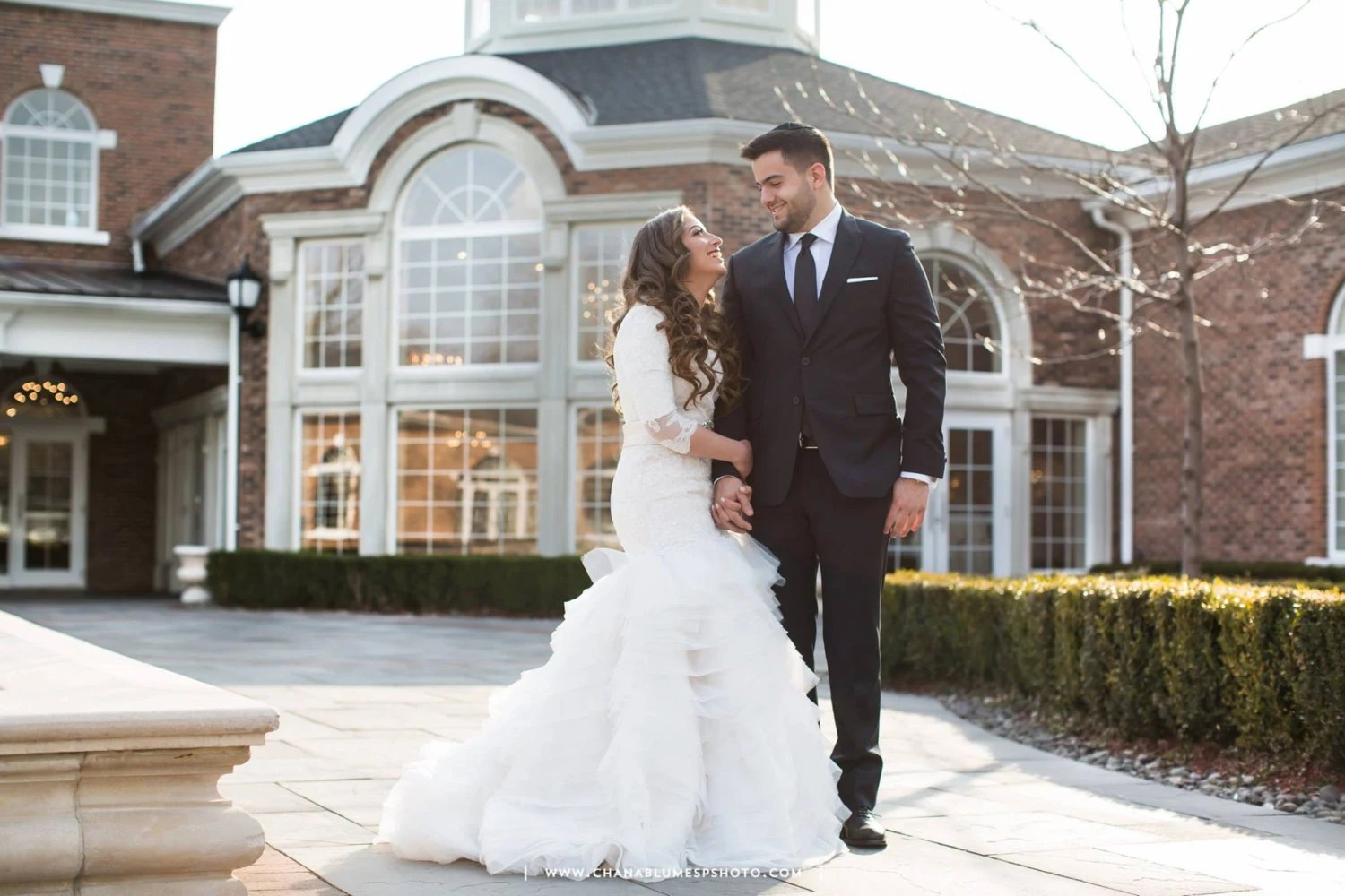 Stunning Modest Wedding Dress With Long Sleeves French Lace
