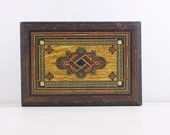 Vintage wooden box with g...
