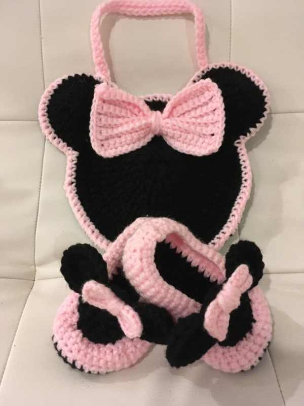Crochet Minnie Mouse purse and matching slippers toddler
