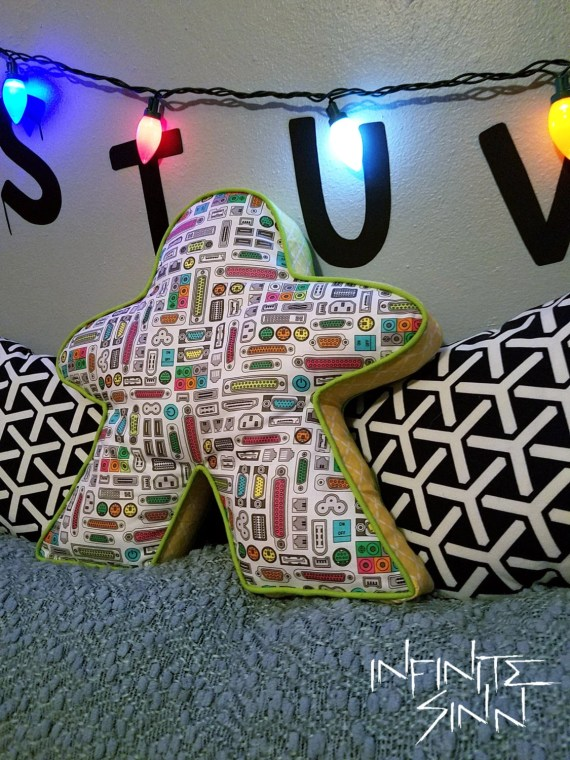 I'M PORTED - Meeple Pillow