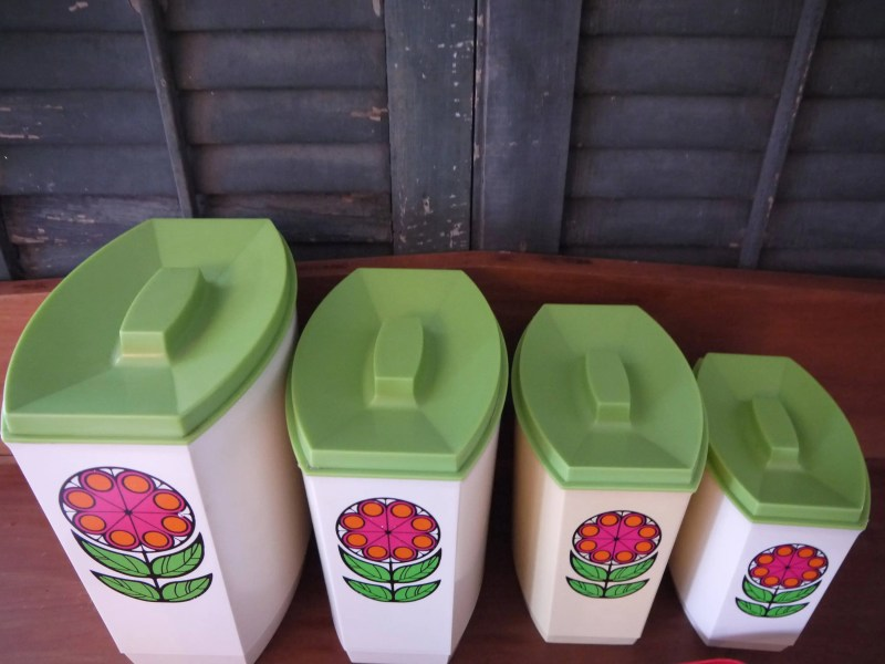 Mid Century Mod Graduating Nesting Canister Set-Groovy Flower Power. Flour, Sugar, Coffee, Tea. Scoops Included