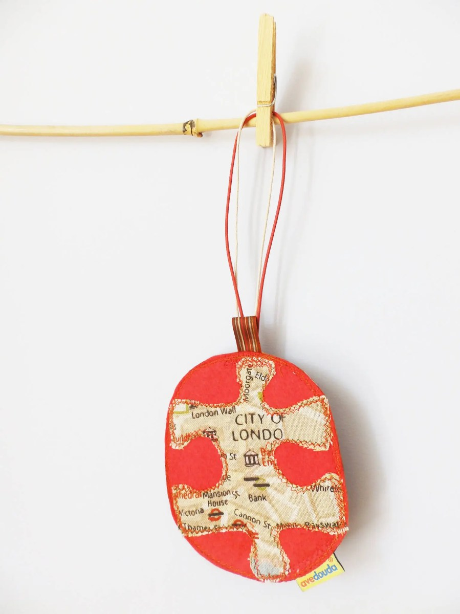 Travel luggage tag, with a piece of a puzzle with the map of London READY TO SHIP