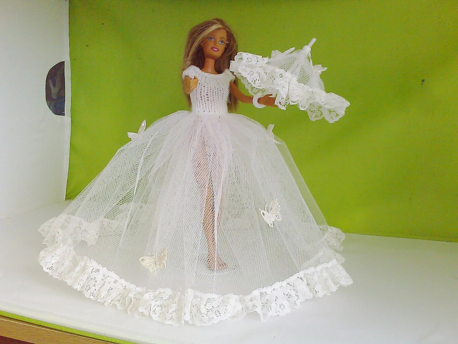 New handmade ROYAL WEDDING inspired wedding dress- barbie/sindy dolls clothes    764  x  59