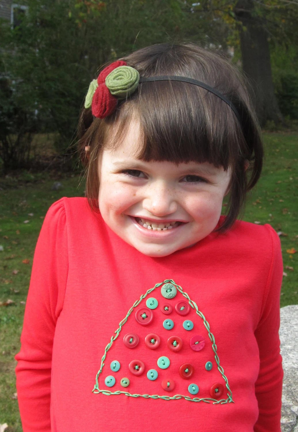 Toddler girl's Christmas tree shirt with embroidered tree and vintage buttons, 4T, red long sleeve, Perfect for Christmas