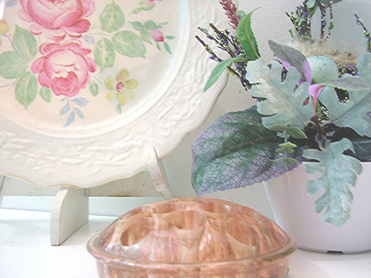 Vintage Shabby Chic Plate & Pink Glass Flower Frog Spring Collection Set of 2 Home and Garden