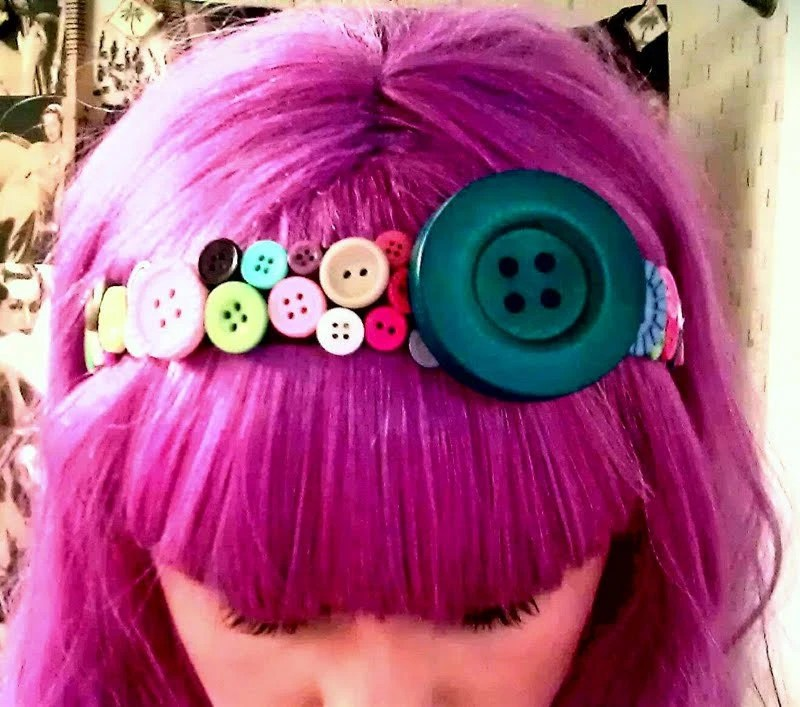 GIRLY BUTTON HEADBAND