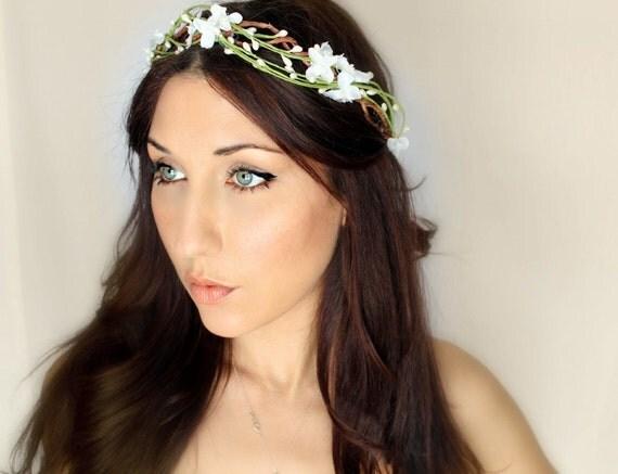 Flower Crown, White, Woodland Wedding Tiara, Bridal Hair Wreath, head wreath, fairy, woodland