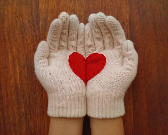 Heart Gloves, Light Cream with Red Felt Heart