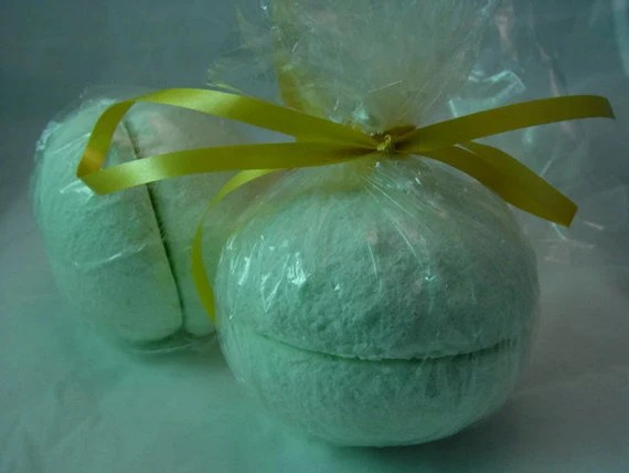 Fizzing Bath Bombs, Lime Mandarin and Basil Organic Bath Bomb