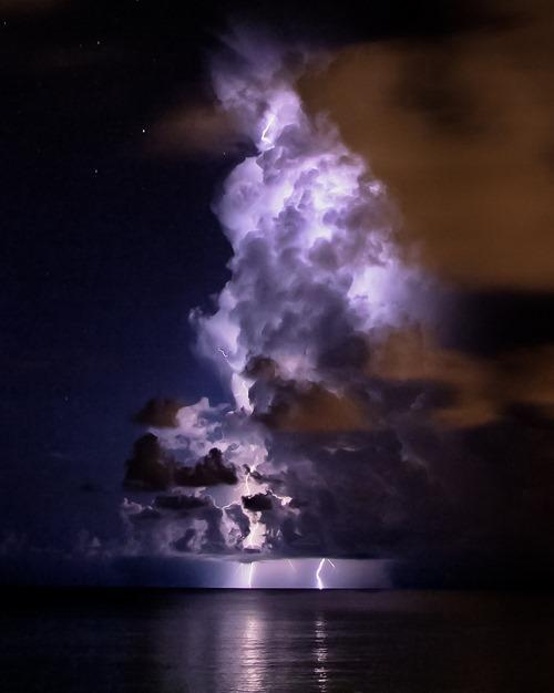 Облако и молния