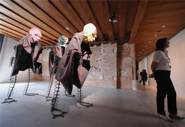 Венецианская биеннале (29 удивительных фото)