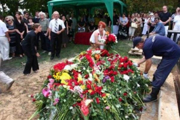 Николая Мозгового сегодня похоронили на Байковом кладбище в Киеве (фото)