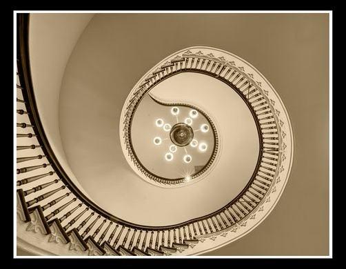 45 спиральных лестниц 14