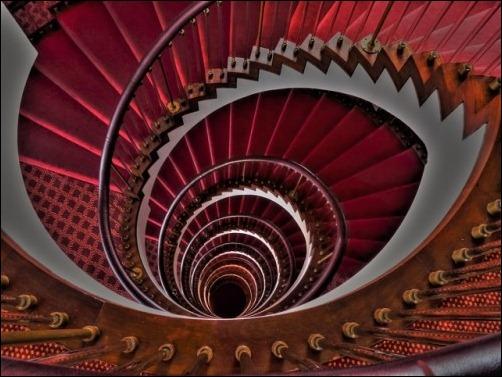 45 спиральных лестниц 23